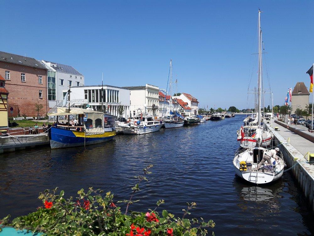 Ueckermünde - Hafen mit Booten